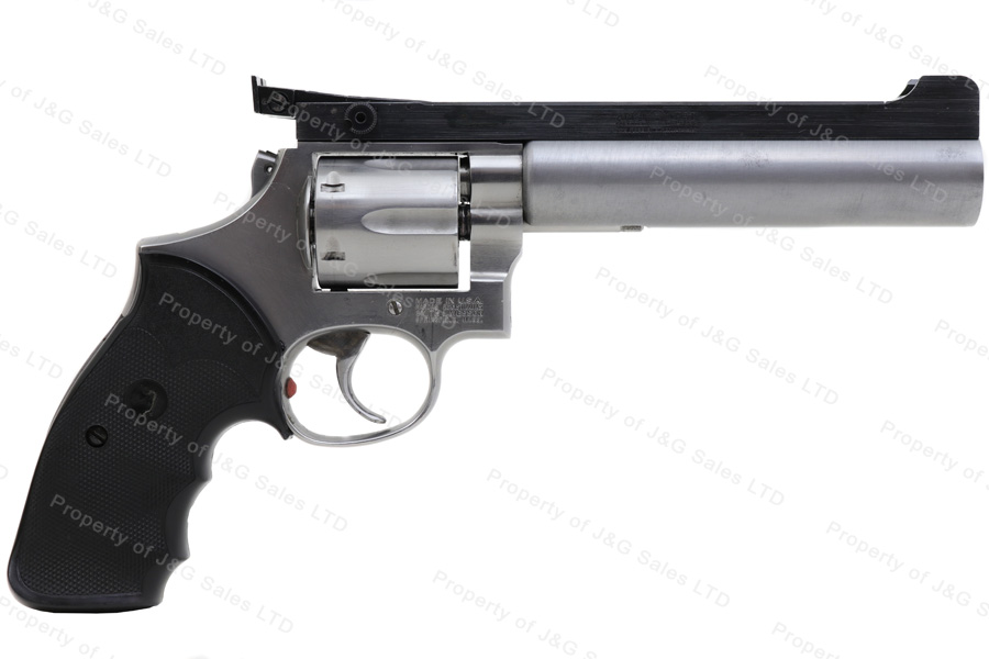 Smith & Wesson 686 Revolver, 357 Magnum, 6